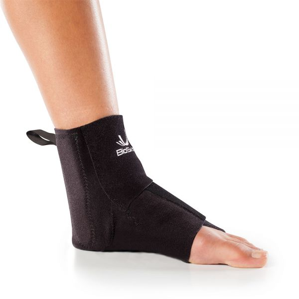 Ankle brace for swelling control