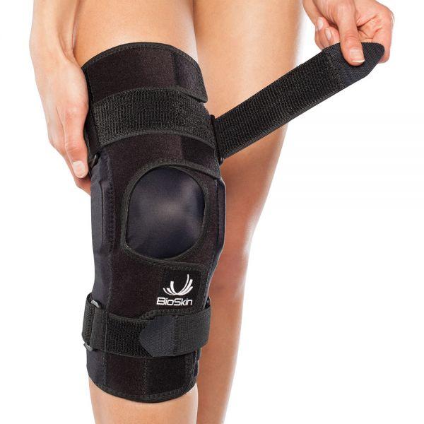 Adjustable fit knee brace