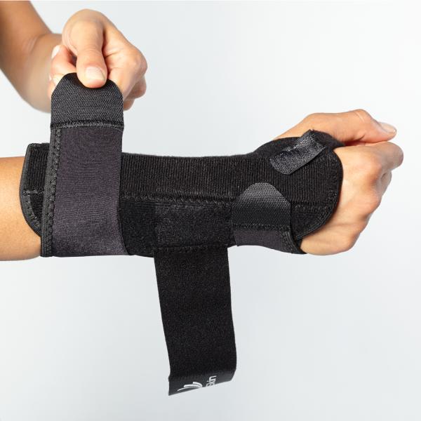 hypoallergenic wrist brace for sprains
