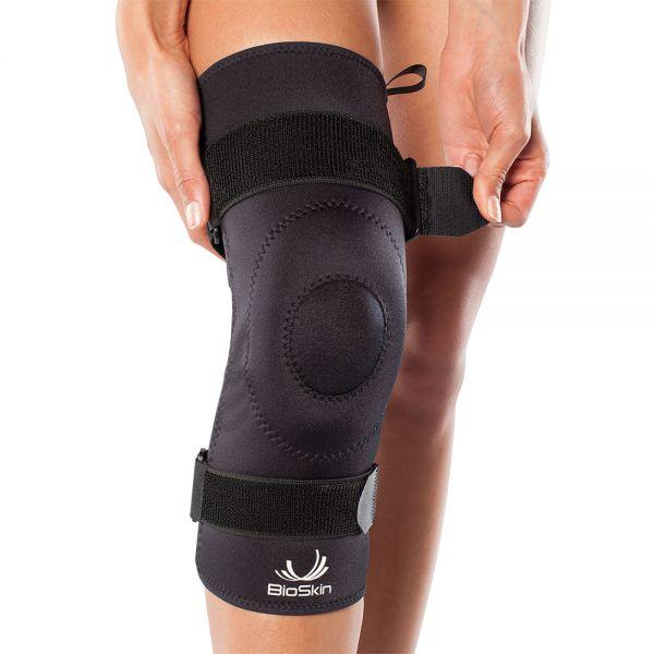Knee brace with patella stability