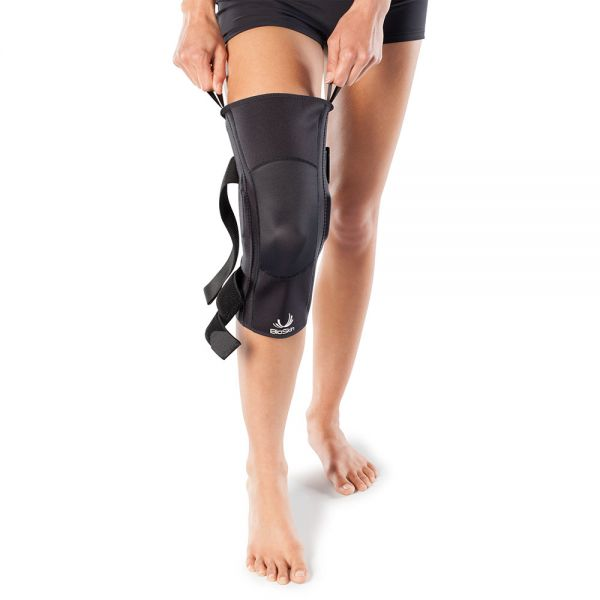 Lightweight hinged knee brace
