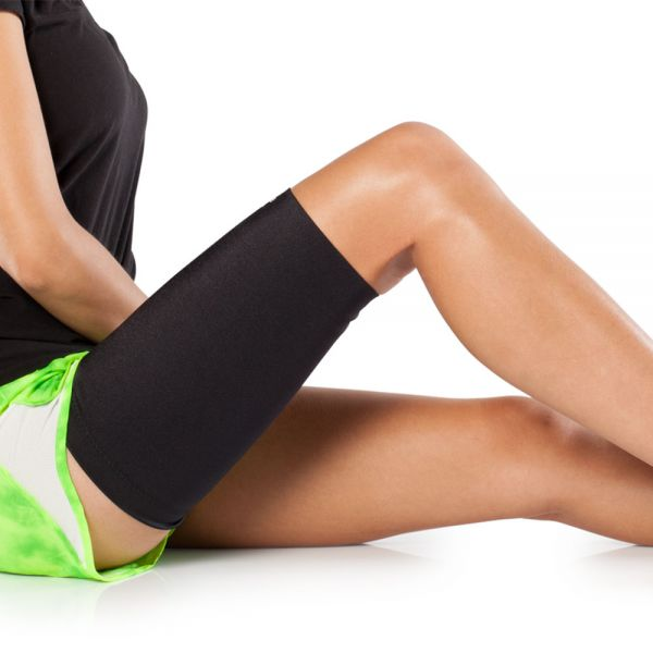 Thigh compression sleeve for quad pain