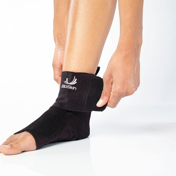 Wraparound ankle brace for swelling control