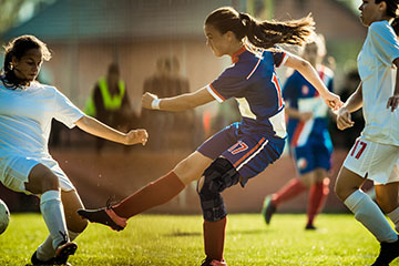 How do you injure your ACL or PCL?